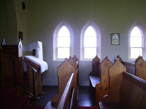 Banda Church interior 1
